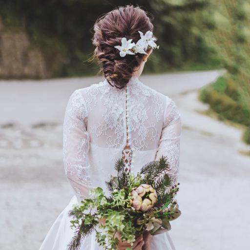 新娘 婚纱 捧花 背影