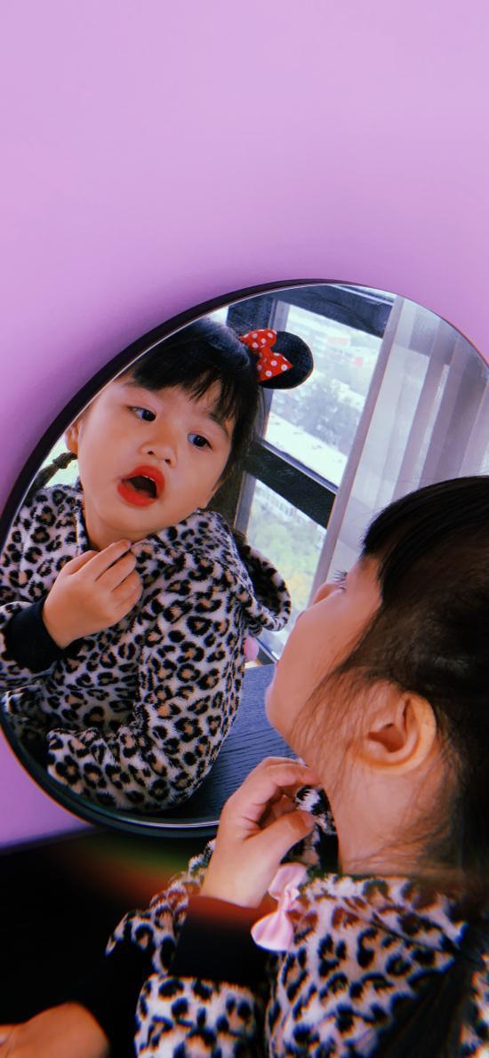 包可艾 包饺子 小女孩 可爱 镜子