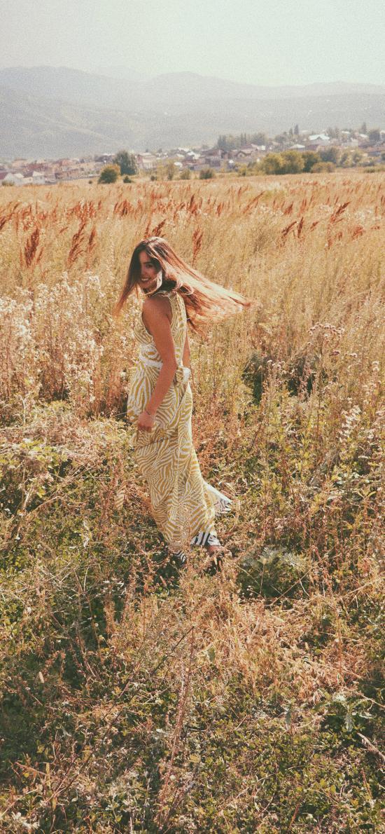 郊外 芦苇丛 女孩 写真 唯美
