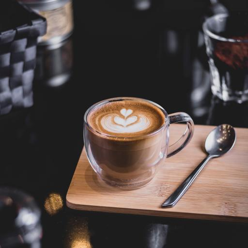 拉花 咖啡 玻璃杯 案板 饮品