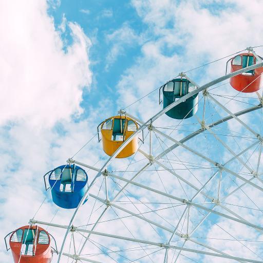 摩天轮 娱乐 游乐场 蓝天白云 天空