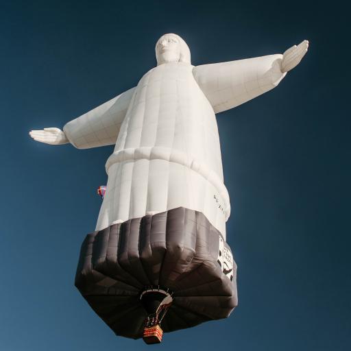 热气球 充气 悬浮 观赏