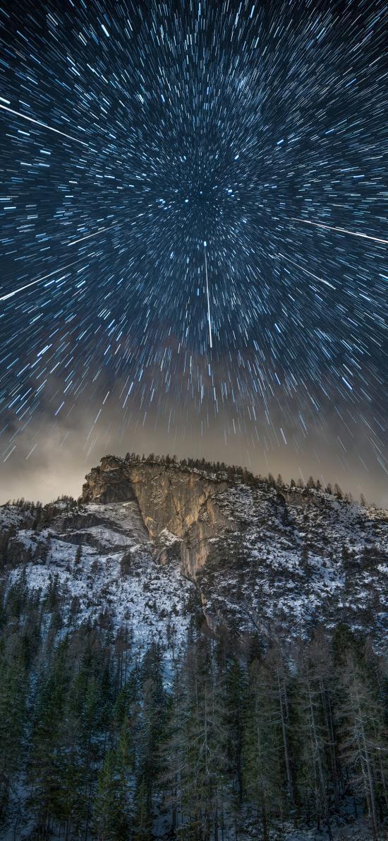 郊外 山峰 星空 夜景