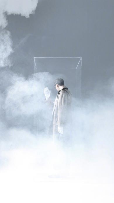 李易峰 演员 明星 艺人 写真 玻璃 烟雾