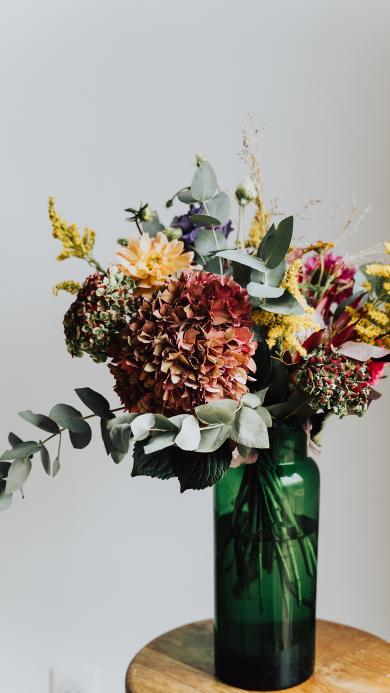 鲜花 花瓶 枝叶 插花