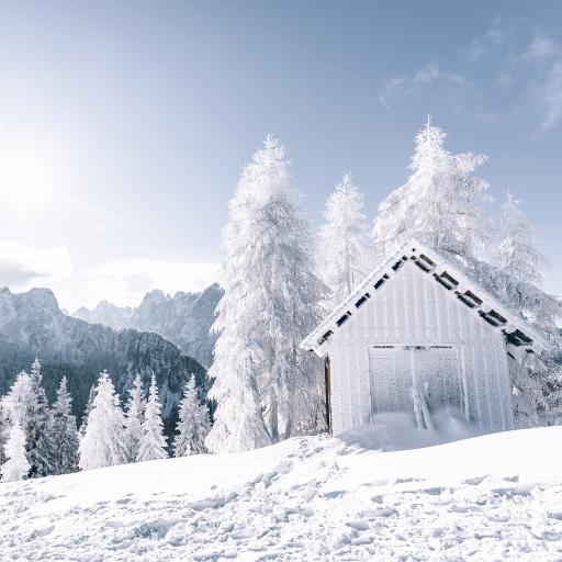 冬季 雪地 木屋 唯美