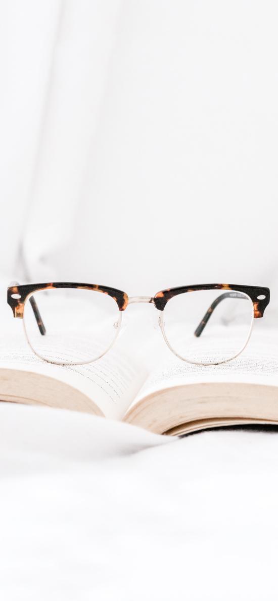 静物 书本 眼镜 摆拍