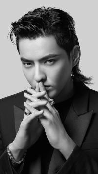 吴亦凡 歌手 演员 明星 黑白