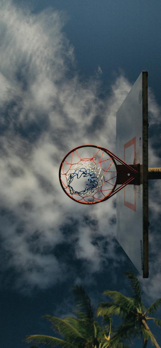 篮球框 天空 球场 云彩