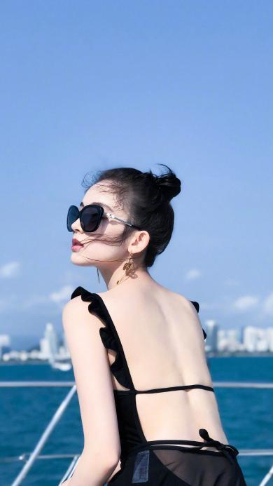 古力娜扎 演员 性感 游艇 明星 墨镜