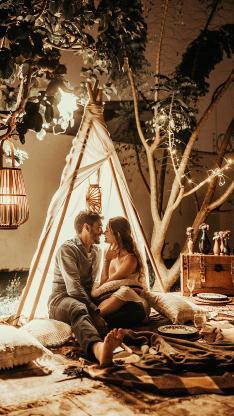 情侣 露营 趣味 灯光 帐篷