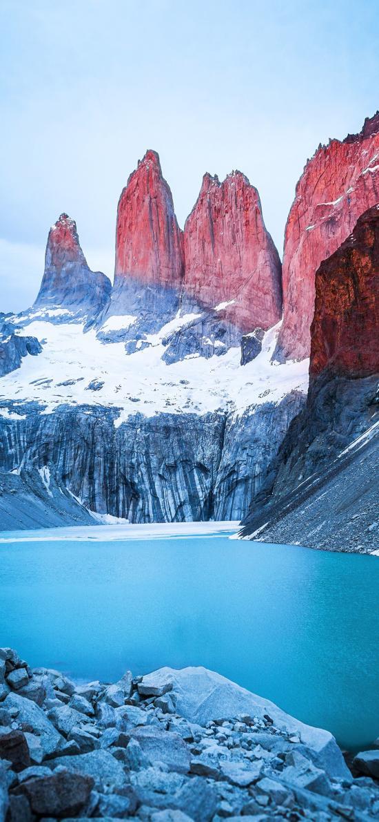 郊外 山峰 白雪 湖泊