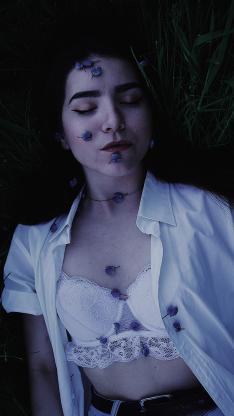 欧美美女 写真 内衣 鲜花