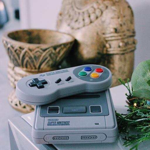 游戏机 手游 复古 雕像