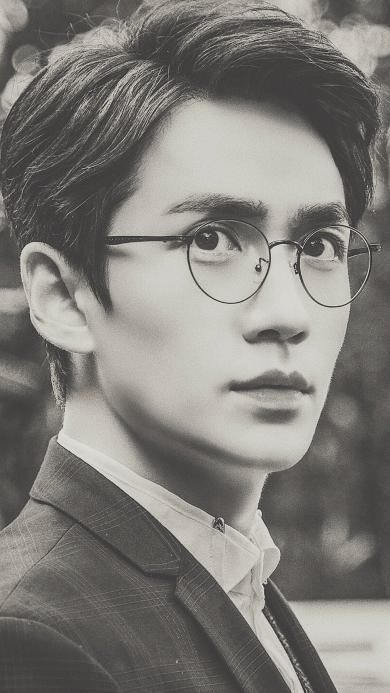 朱一龙 演员 男星 灰白