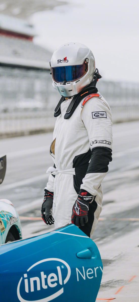 赛车手 头盔 极速 运动