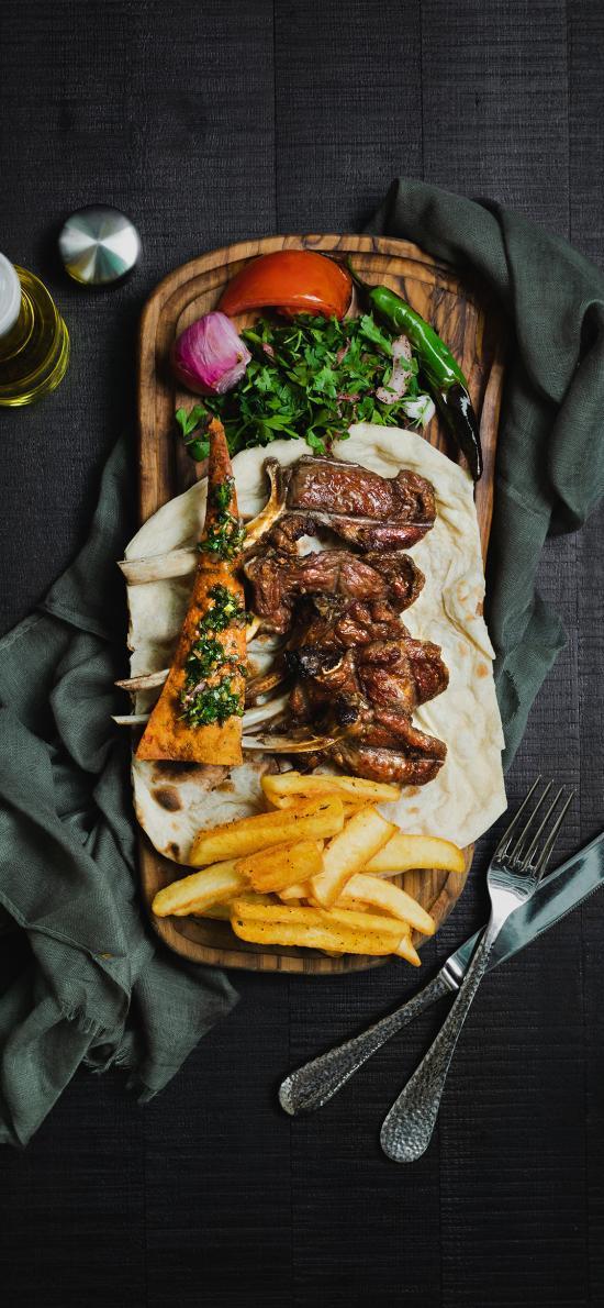 肉排 薯条 案板 餐具