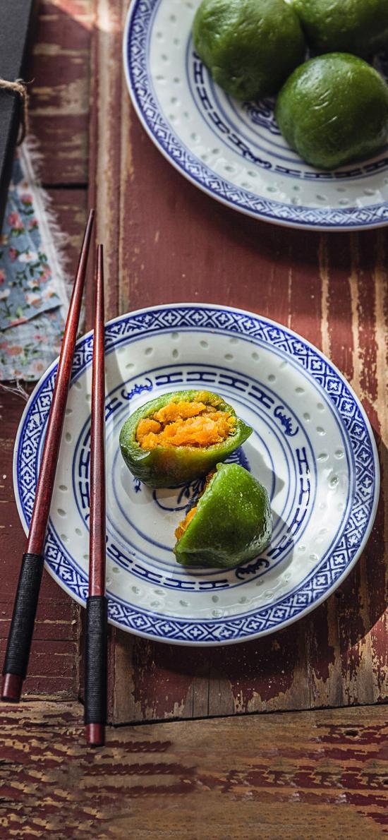 点心 青团 咸蛋黄 艾叶 清明 美食