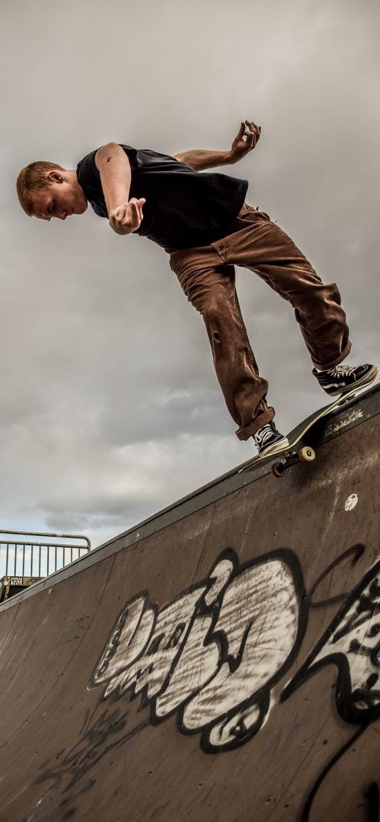 滑板 运动 男子 户外 涂鸦