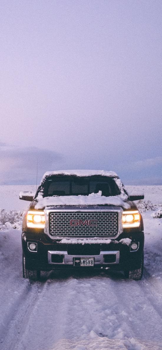 郊外 雪地 汽车 GMC