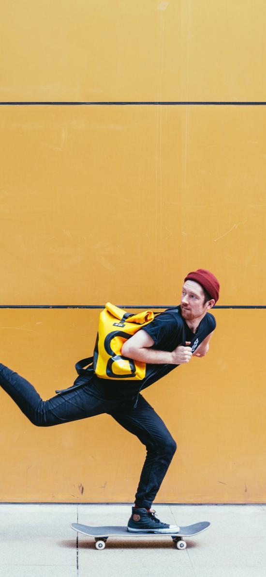 滑板 运动 男子 黄色 背包