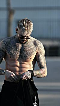 纹身 肌肉 欧美 男子 腹肌