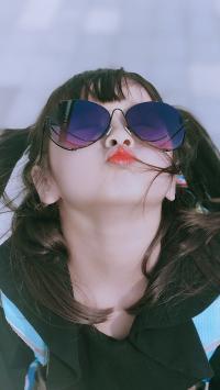 哈琳 小女孩 可爱 萌 儿童 嘟嘴 墨镜