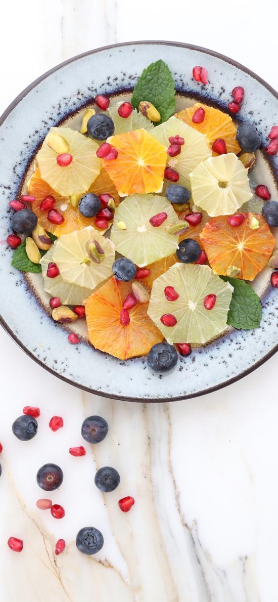水果 拼盘 蓝莓 石榴粒 柠檬 切片