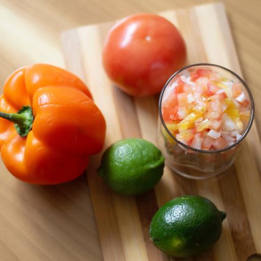 蔬菜 彩椒 青柠 案板