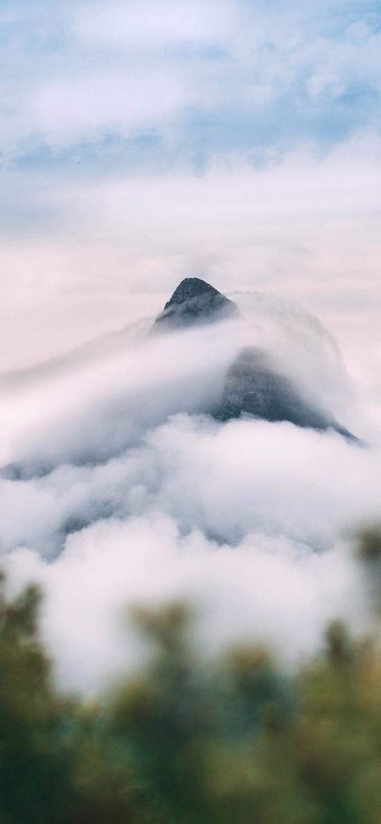 云雾 高山 山体 远眺