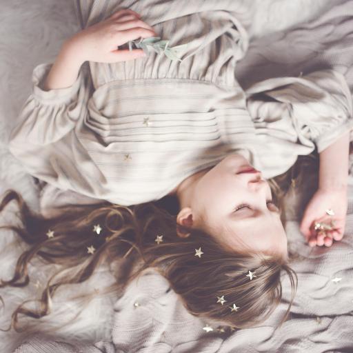 女孩 睡梦 唯美 星星