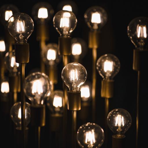 光亮 灯泡 灯泡 通电
