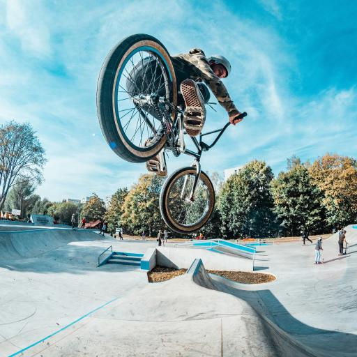 花式 单车 BMX 跳跃
