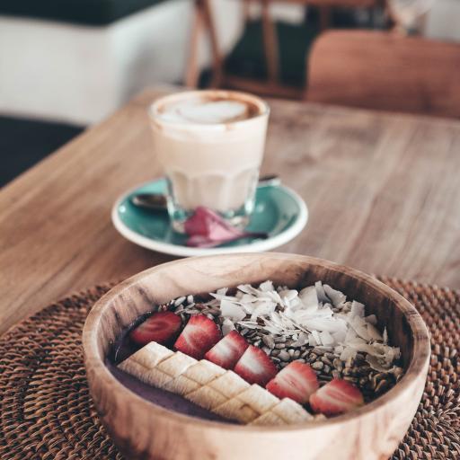 沙拉 草莓 香蕉  燕麦 健康