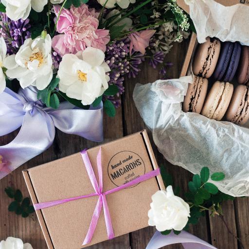 静物 鲜花 花束 纸盒 马卡龙
