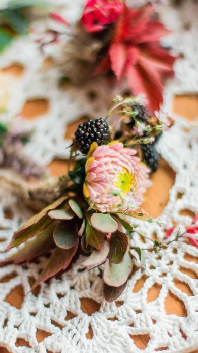 花束  編織網 鮮花 漿果
