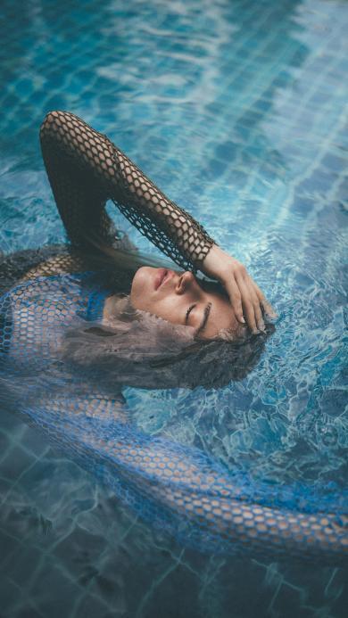 性感 泳池 网衣 水面