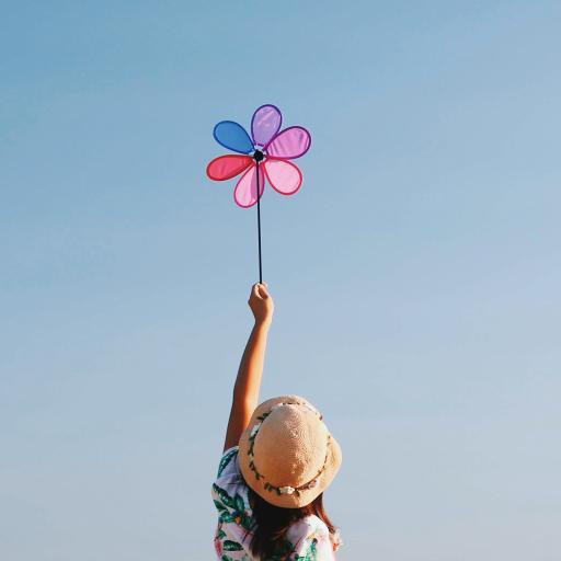 女孩 背影 天空 风车