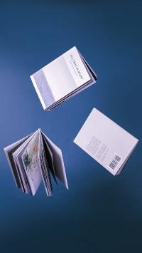 静物 书本 杂志 悬空