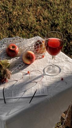 静物 酒水 眼镜 苹果