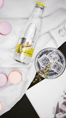 苏打水 气泡水 冰块 饮料 马卡龙