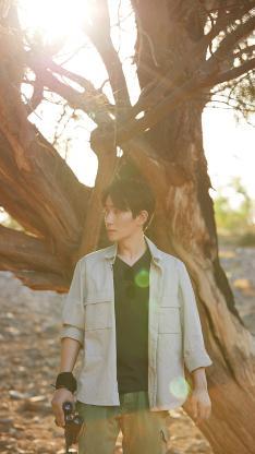 朱一龙 艺人 演员 树木