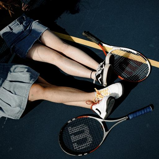 网球 球场 运动 双腿 裙子