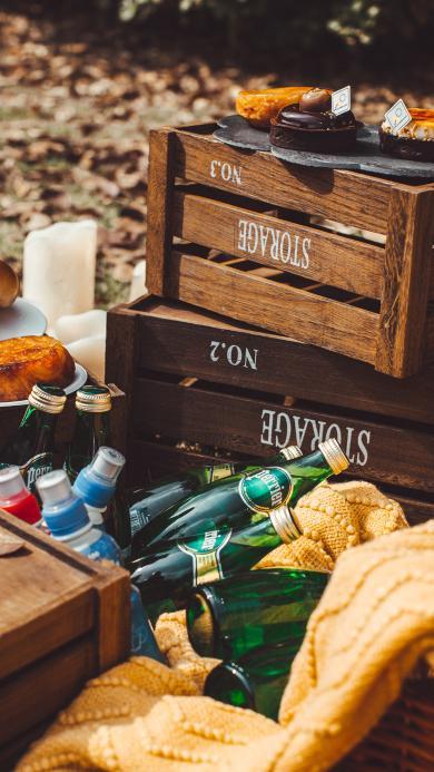 酒瓶 饮品 木箱 户外