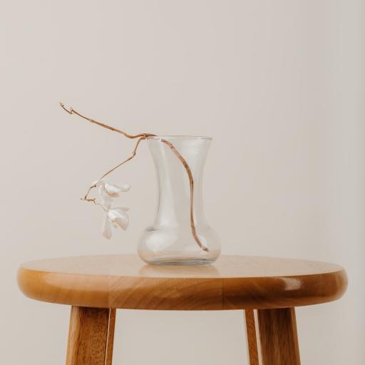 桌子 花瓶 插花 枯萎 简约
