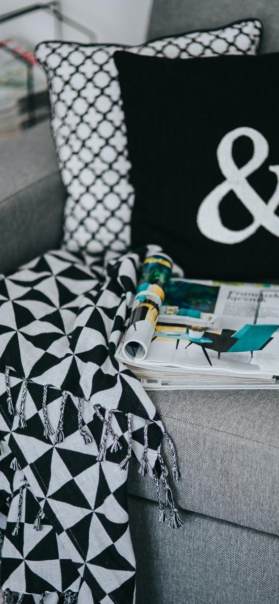 沙发 杂志 毯子 枕头