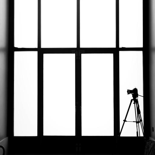 空间 摄影机 三脚架 黑白