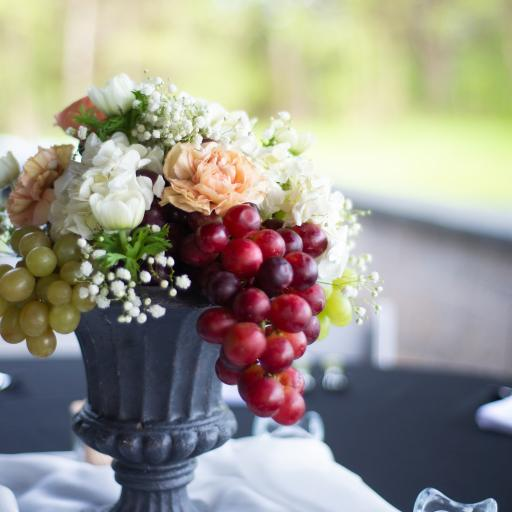 花束 葡萄 水果 鲜花 盛开