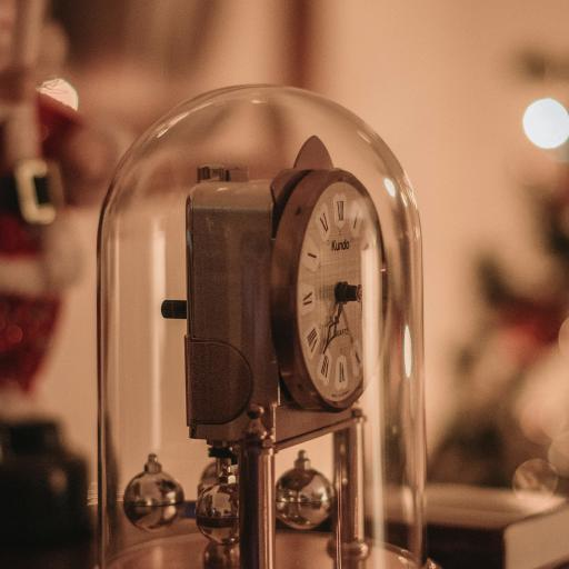 时钟 玻璃罩 指针 钟表