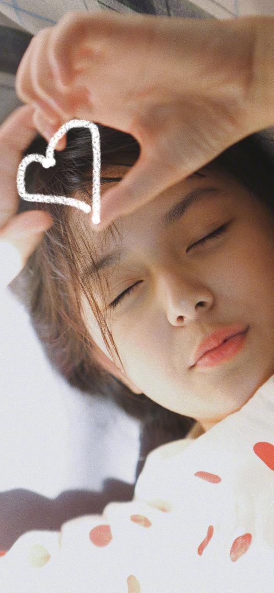 刘楚恬 小女孩 儿童 童星 小葡萄 爱心